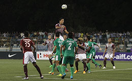 Mohun Bagans Dhanachandra Singh tries to head the ball home in Bagans clash against Salgaocar