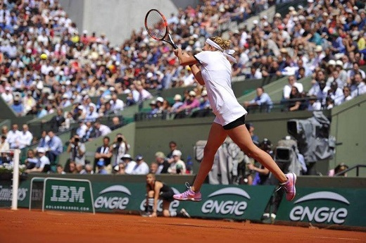 'Proud' Bacsinszky into second French Open semi-final